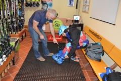 The-best-ski-equipment-from-Poiana-Brasov-with-RJ-ski-rentals-ski-school