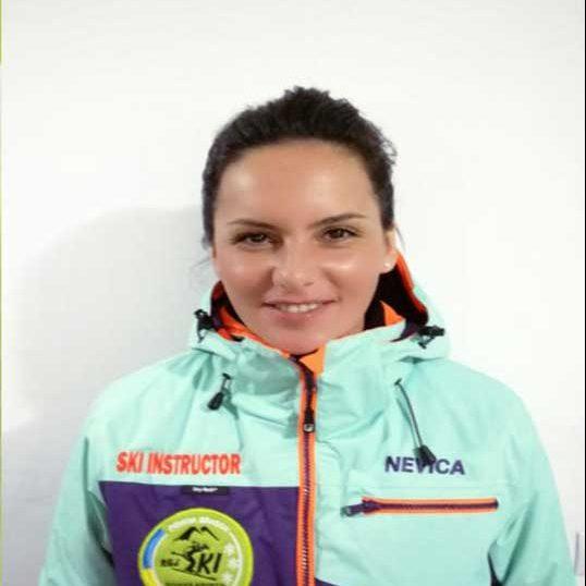 Monitor de ski in Poiana Brasov la R&J ski & snowboard school