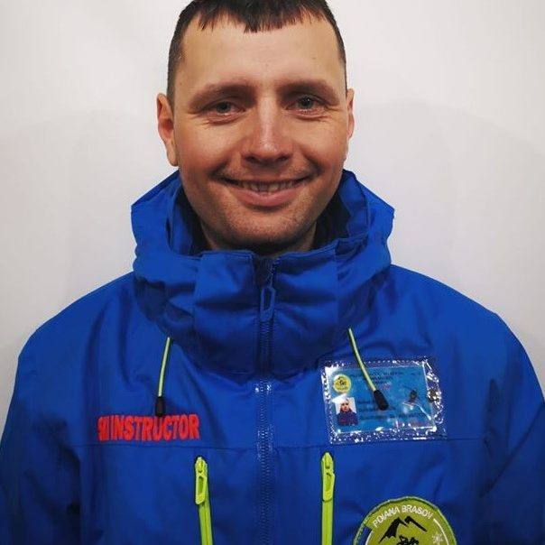 instructor de ski in poiana brasov la R&J scoala de ski si snowboard